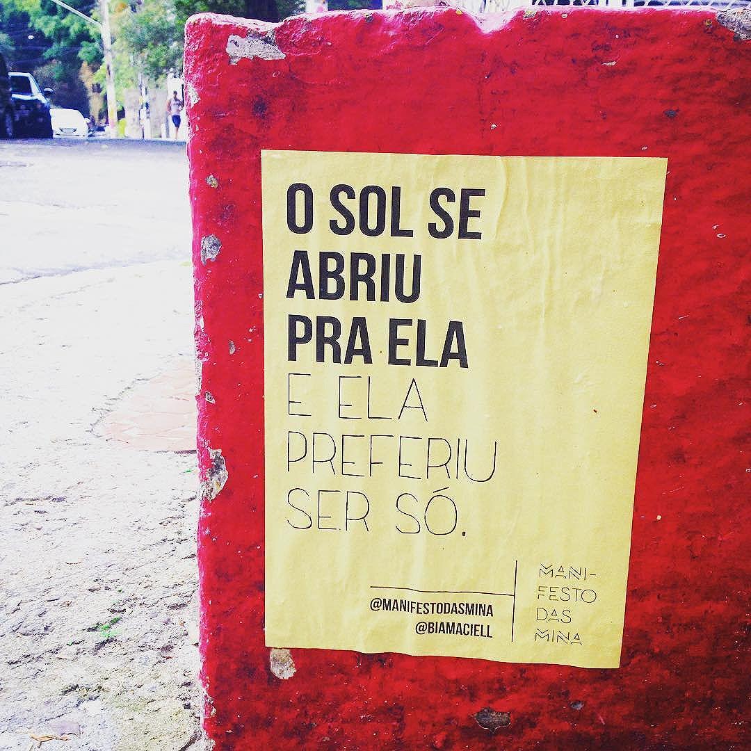 Preferiu ser só sol :) ~ lambe de @biamaciell  #lambe #lambelambe #streetartsp #streetart #instalove #instagood #intervenção #art #amor #arte #artederua #taescritoemsampa #olheosmuros #osmurosfalam #asruasfalam #oqueasruasfalam #vozesdarua #silenciodasruas #sp #sampa #sp4you #photo #poema #photograph #poesia #vilamada #amor