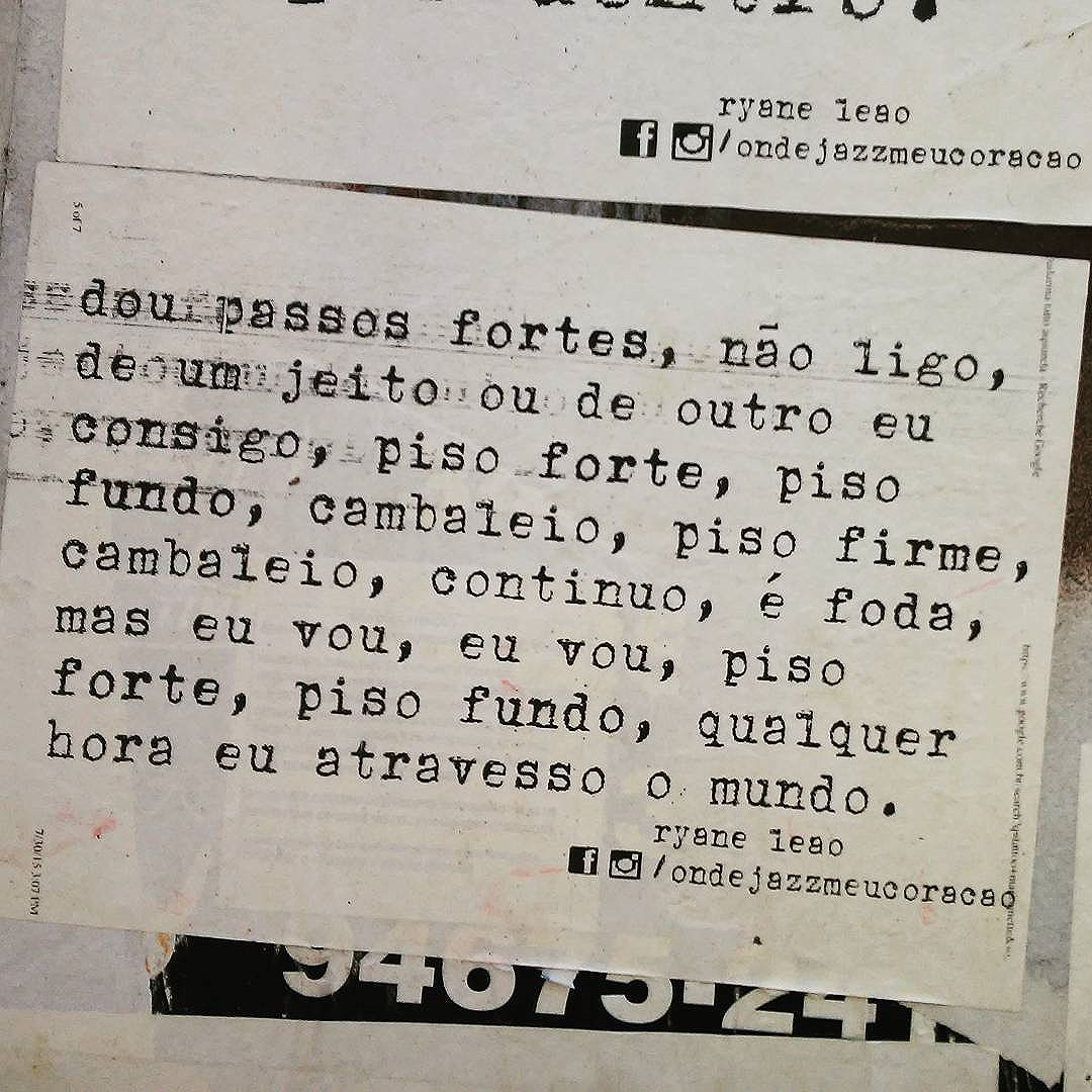 qualquer hora eu atravesso o mundo.  #ondejazzmeucoracao #streetartsp #011 #artederua #intervençãourbana #splovers #vozesdacidade #lamblamb #sp #lambelambe #olheosmuros #osmurosfalam #arteurbana #vinarua #acidadefala #olheosmuros #poesiaderua #asruasfalam #oqueasruasfalam #pelasruas #taescritoemsampa #urbanart #pelosmuros #txturbano #saopaulo #ruaspoeticas #olheasruas #ryaneleao #sp4you #lambelambesp