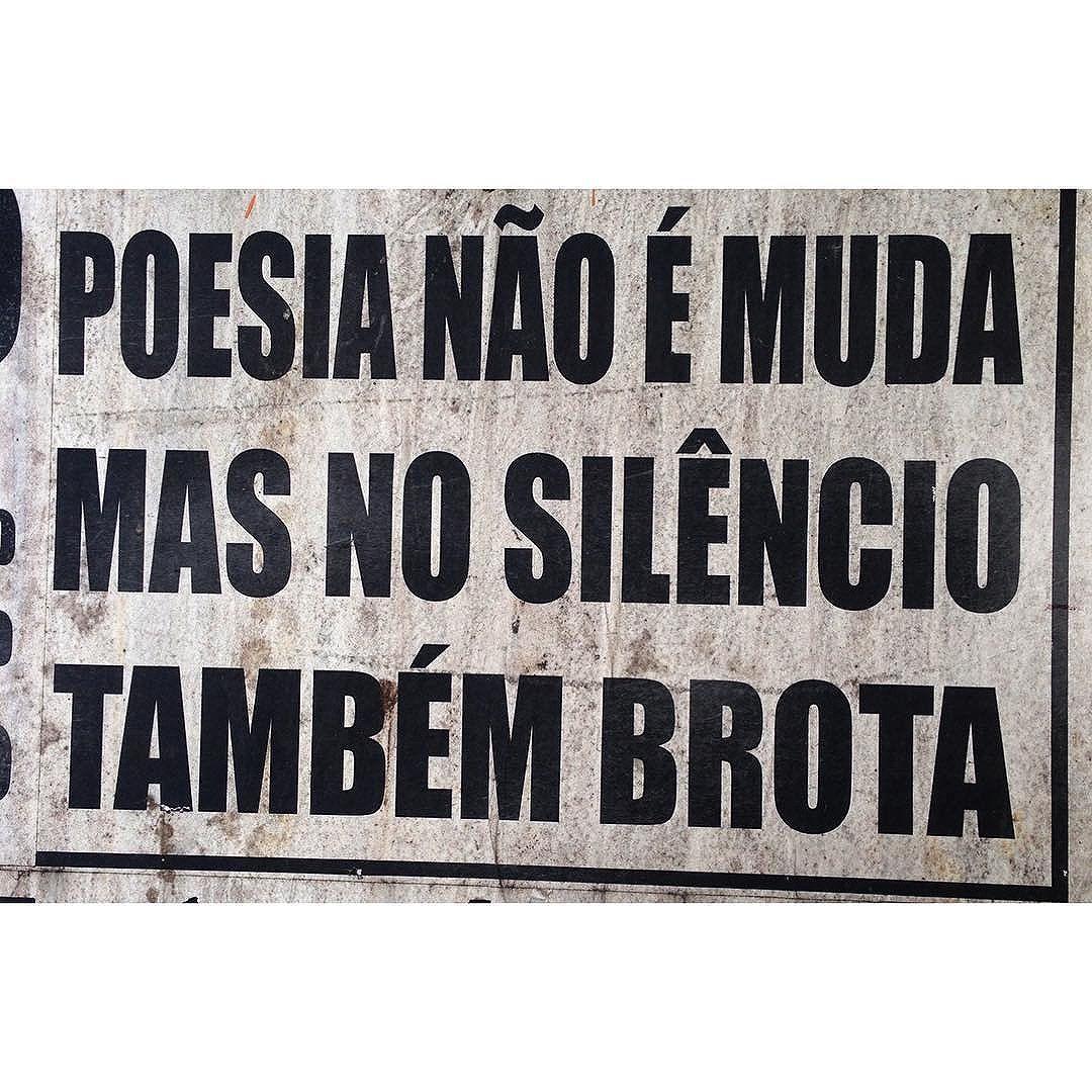 #taescritoemsampa #poesia #poesiaurbana #streetart #olheosmuros #streetartsp