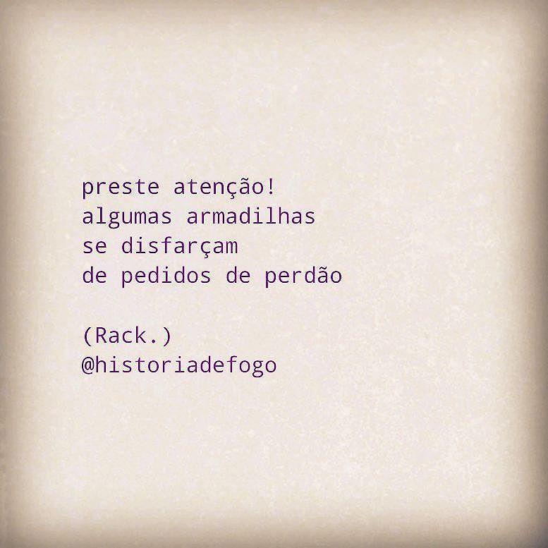 É só o mesmo jogo de sempre... #boanoite #historiadefogo  #poema #poesia #mulher #instafrase #mulheres #inspiração #autoral #instagood  #instaarte #poetry  #poeta #poetisa  #mulheresqueescrevem #lambelambe #lamblamb  #streetart #intervencaourbana #taescritoemsampa #txturbano #oqueosmurosfalam #olheosmuros #splovers #sp4you #igerssp #streetartsp #vinarua #arteurbana #relacionamentoabusivo
