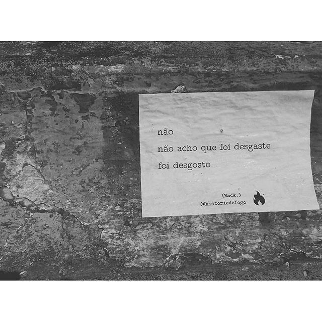Foto por:  @felipe_owagner ・・・ #boanoite #historiadefogo  #poema #poesia #mulher #instafrase #mulheres #inspiração #autoral #instagood  #instaarte #poetry  #poeta #poetisa  #mulheresqueescrevem #lambelambe #lamblamb  #streetart #intervencaourbana #taescritoemsampa #txturbano #oqueosmurosfalam #olheosmuros #splovers #sp4you #igerssp #streetartsp #vinarua #arteurbana