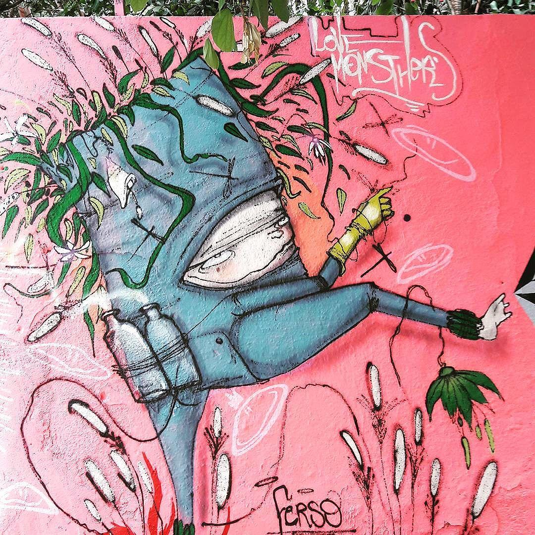 Funny character by Ferso @love_monsthers #ferso #lovemonsthers #pompeia #sambadograffiti #sampagraffiti #graffiti #graffiti_clicks #grafite #graf #streetart #streetartsp #streetphoto #streetarteverywhere #streetartphotography #spray #bagarre #spraypaint #urbanwall #urbanart #wallart #saopaulo #brasil #rsa_graffiti #bikini #braznu #sampa #tv_streetart #saopaulocity #tv_sa_simplicity_graff #streetartofficial