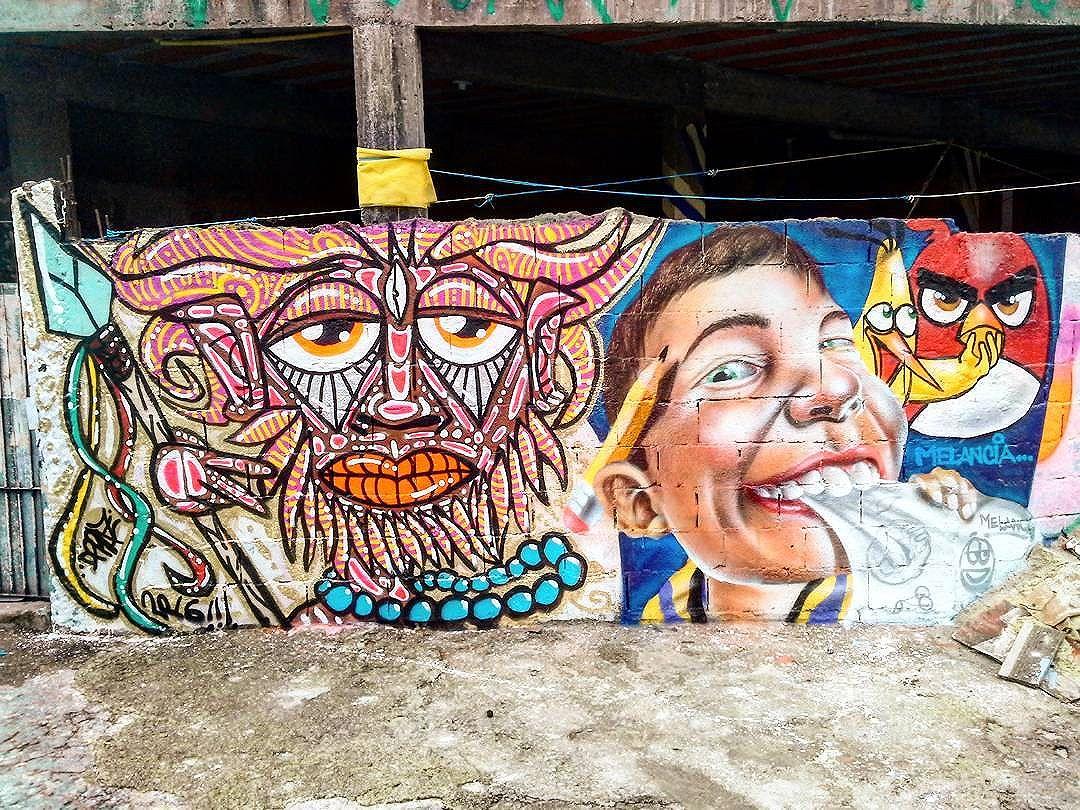 """Intervenção urbana feita no Encontro """"Graffiti Contra Enchente 2"""", em Taboão da Serra-SP. Por #dpraz e @robsonmelancia Valeu Mirage e Gamão pela preza e pela recepção!!! #dpraznãopara #robsonmelancia #danyahupraz #dancoliveira #danielpraz #interveçãourbana #arteurbana #artederua #graffiticontraenchente #graffiticontraenchente2 #sprayarte #latex #colorginarteurbana #noucolors #cores #artesvisuais #urbanart #streetart #sprayart #colors #visualarts #instastreetart #streetartbrazil #streetartsp #streetartworldwide"""