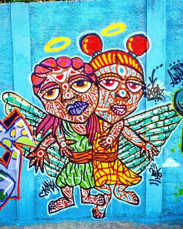"""Intervenção Urbana no Evento """"Graffiti X Lixo"""" em São Mateus, São Paulo-SP.  Valeu família CCCU mais uma.vez pelo convite!!! Por #dpraz . 2016  #dpraznãopara #danyahupraz #dancoliveira #danielpraz #interveçãourbana #arteurbana #artederua #sprayarte #cores #latex #colorginarteurbana #noucolors #artesvisuais #crianças #anjos #urbanart #streetart #sprayart #colors #visualarts #angels  #kids #instastreetart #streetartsp #streetartbrazil"""