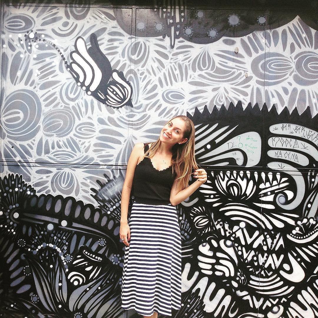 Monocromática (e temática)! ️️ #camaleoa #tbt #throwbackthursday #streetart #grafitti #instagraffiti #urbanart #streetartsp #becodobatman #saopaulograffiti #brazilgraffiti #streetartbrazil #vilamadalena