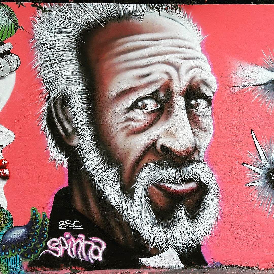 Realístico retrato do @spinha_bsc na Vila Pompeia (São Paulo) #spinha #sambadograffiti #sampagraffiti #graffiti #graffiti_clicks #grafite #graf #streetart #streetartsp #streetphoto #streetarteverywhere #streetartphotography #spray #bagarre #spraypaint #urbanwall #urbanart #wallart #saopaulo #brasil #rsa_graffiti #bikini #braznu #sampa #tv_streetart #saopaulocity #tv_sa_simplicity_graff #streetartofficial #pompeia