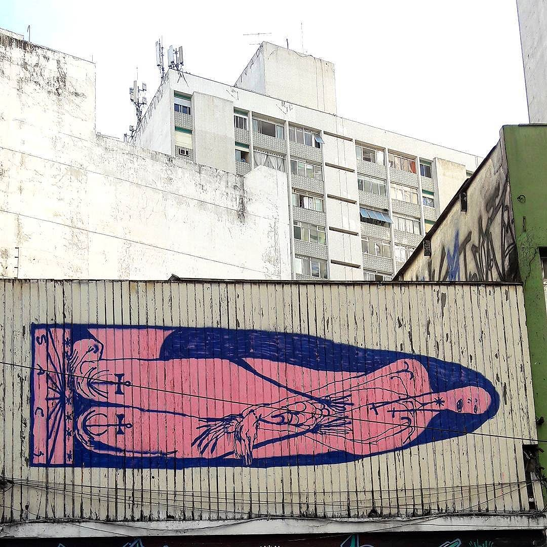 Roof top full of art in Consolação (São Paulo) Artist: @sacipedro #sacilovesyou #sambadograffiti #sampagraffiti #graffiti #graffiti_clicks #grafite #graf #streetart #streetartsp #streetphoto #streetarteverywhere #streetartphotography #spray #bagarre #spraypaint #urbanwall #urbanart #wallart #saopaulo #brasil #rsa_graffiti #bikini #braznu #sampa #tv_streetart #saopaulocity #tv_sa_simplicity_graff #streetartofficial