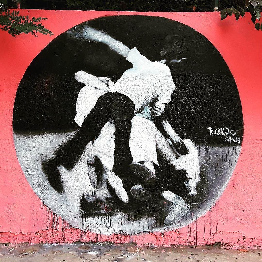 Wall art of @ricardoakn  #ricardoakn #akeni #sambadograffiti #sampagraffiti #graffiti #graffiti_clicks #grafite #graf #streetart #streetartsp #streetphoto #streetarteverywhere #streetartphotography #spray #bagarre #spraypaint #urbanwall #urbanart #wallart #saopaulo #brasil #rsa_graffiti #bikini #braznu #sampa #tv_streetart #saopaulocity #tv_sa_simplicity_graff #streetartofficial #pompeia