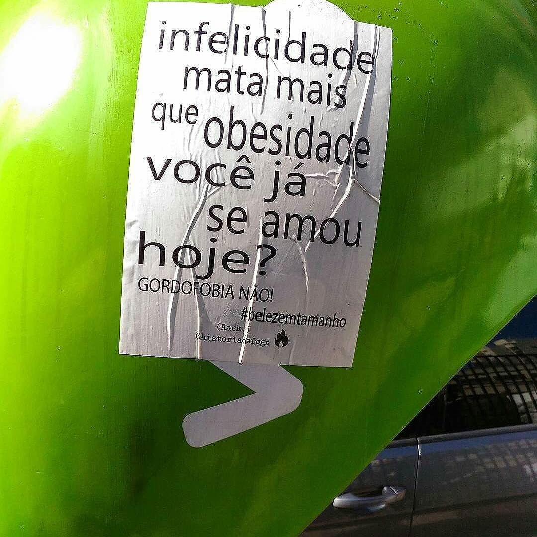 @belezasemtamanho olha ai a @historiadefogo lacrandooooo  #Repost @historiadefogo with @repostapp ・・・ Você já se amou hoje?  Viu um lambe meu por aí? Me marca.  #boatarde #historiadefogo #lambe #lambelambe #colagem  #artederua #urbanismo #gordofobia #liberdade #expressão #belezasemtamanho #olheosmuros #urbanart #poesia  #empoderamento  #feminismo  #pelosmuros #poesiaderua  #lamblamb  #streetart #intervençãourbana #taescritoemsampa #txturbano #oqueosmurosfalam  #splovers #sp4you #igerssp #streetartsp #vinarua