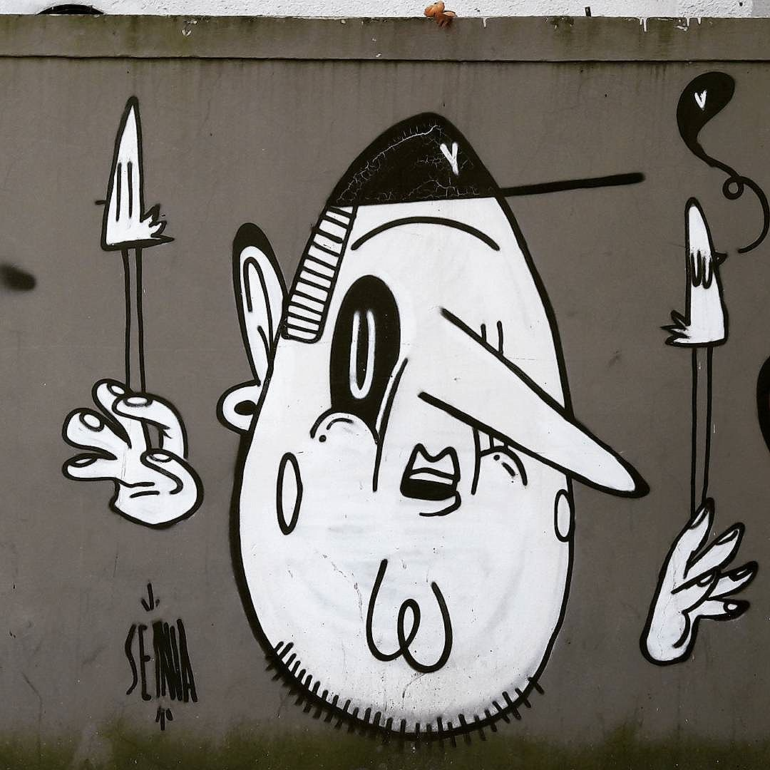A arte do @alexsenna nas paredes da Vila Mariana #senna #alexsenna #ibirapuera #sambadograffiti #sampagraffiti #graffiti #graffiti_clicks #grafite #graf #streetart #streetartsp #streetphoto #streetarteverywhere #streetartphotography #spray #bagarre #spraypaint #urbanwall #urbanart #wallart #saopaulo #brasil #rsa_graffiti #braznu #sampa #tv_streetart #saopaulocity #tv_sa_simplicity_graff #streetartofficial
