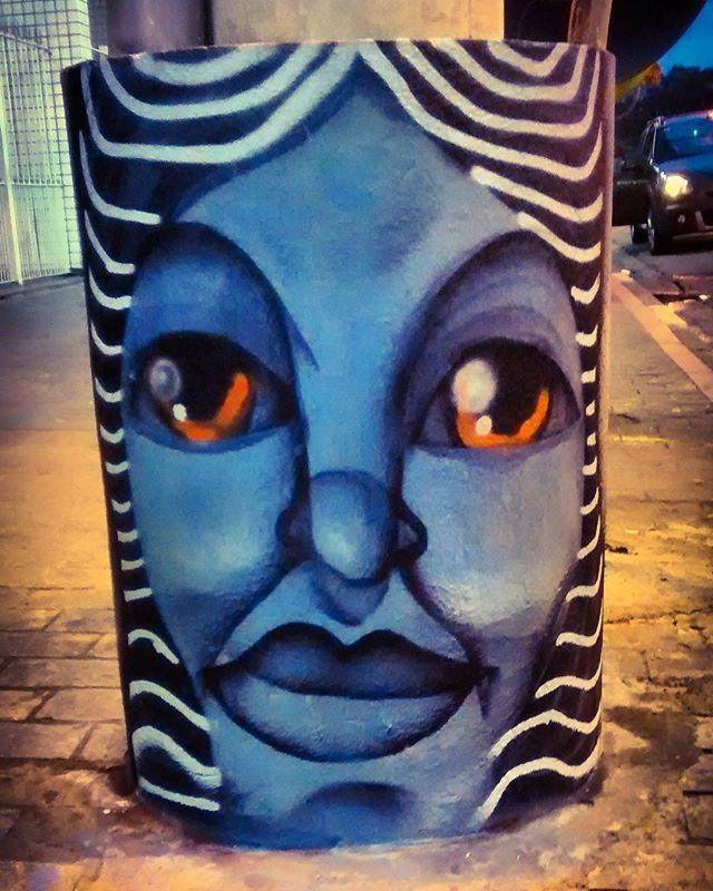 by @ojosblancos1987 #urbanart #arteurbana #streetart #streetartbrazil #brdailylife #fotografiadecelular #mobilephotography #streetart #streetartsp #spraypaint #sampagraffiti #artesemfronteiras #globalstreetart #observadores_br #ruasdesaopaulo #sp4you #olharesdesampa #olharesurbanos #grafiteiros #desenhosurbanos #grafite #graffiti #art #arte