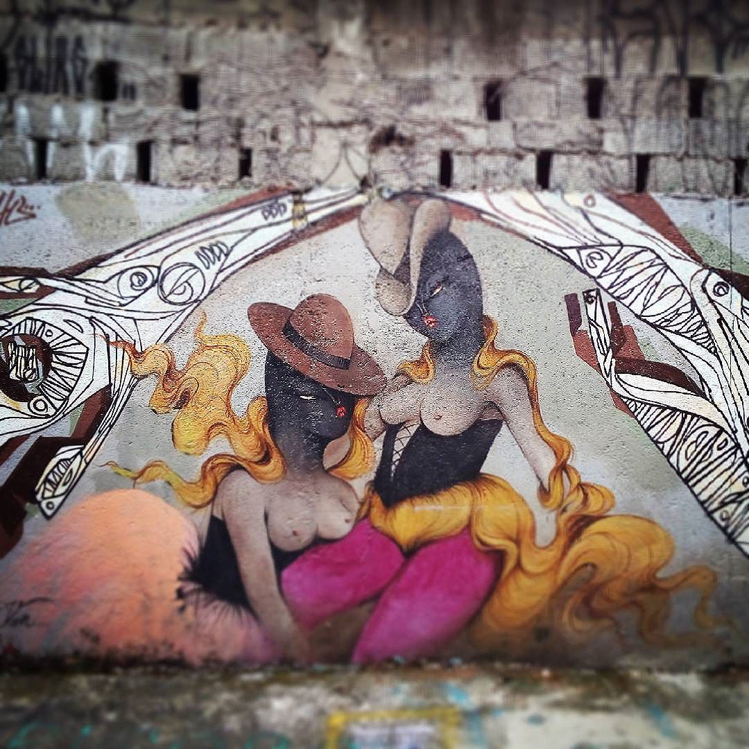 By @vanessa_alice. São Paulo. 27/05/2016   vandalogy #streetart #streetartsp #graffiti #streetartbrazil #sãopaulo #becodobatman #missvan #vilamadalena