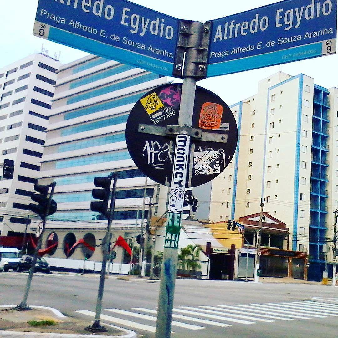 Conceição - Zona Sul - São Paulo - Brazil  #stickerbombing #city #art #stickerporn #stickeraddict #slaps #urbancity #streetphotography #urbanart #stickerart #sampa #splovers #streetartsp #streetarteverywhere #stickers #slapart #reribs