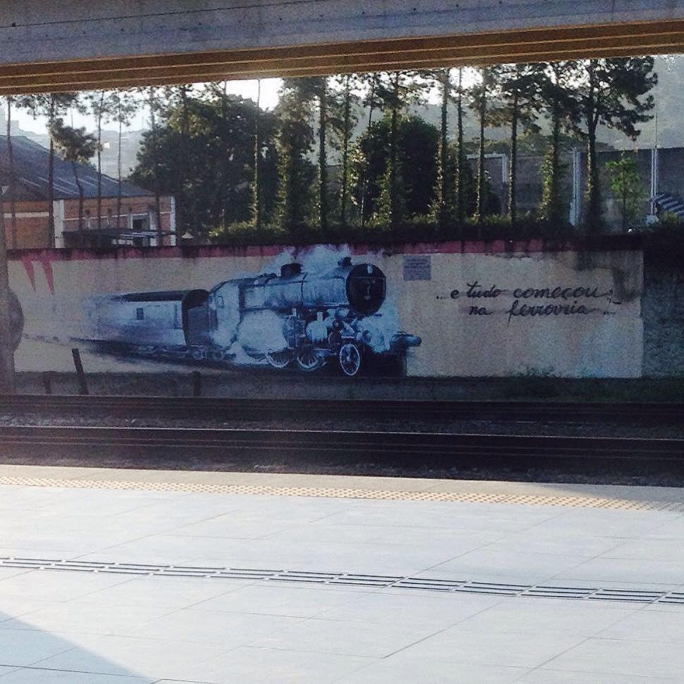 E tudo começou na ferrovia.. #arrestara #streetartsp #usuarioscptm #usuariosmetrosp #sobretrilhos #trem #graffiti #atelieurbano
