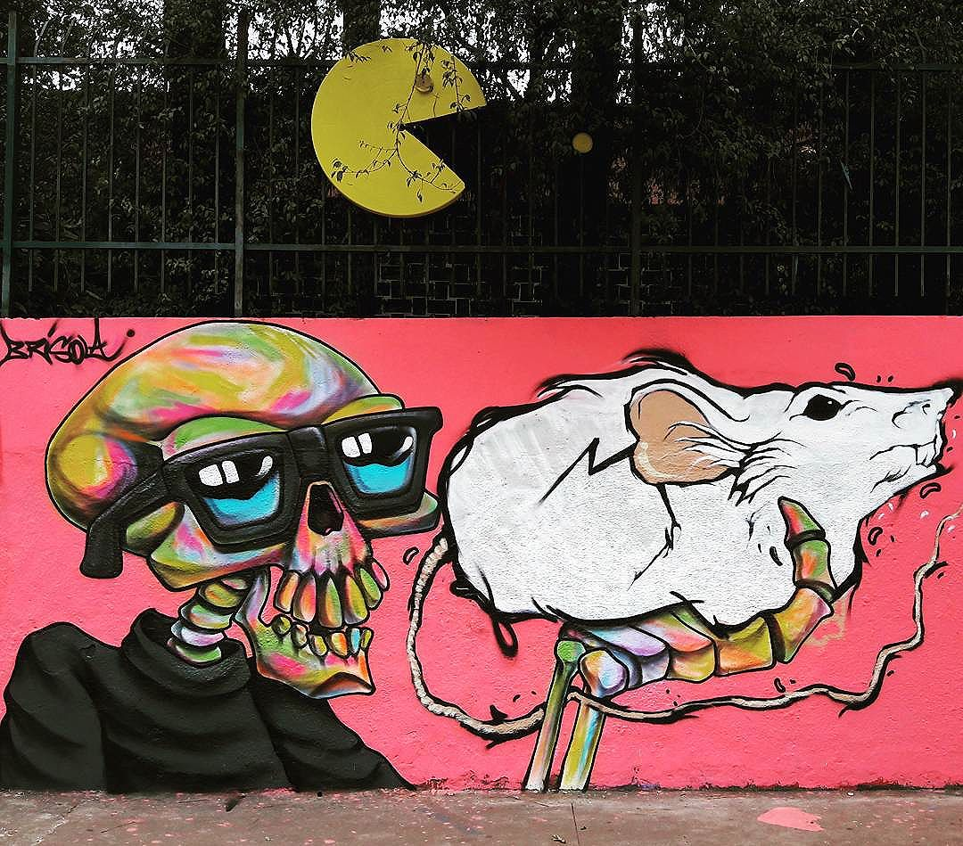 Mural do @brisolamoutinho na Vila Pompeia #brisola #pompeia #sambadograffiti #sampagraffiti #graffiti #graffiti_clicks #grafite #graf #streetart #streetartsp #streetphoto #streetarteverywhere #streetartphotography #spray #bagarre #spraypaint #urbanwall #urbanart #wallart #saopaulo #brasil #rsa_graffiti #bikini #braznu #sampa #tv_streetart #saopaulocity #tv_sa_simplicity_graff #streetartofficial