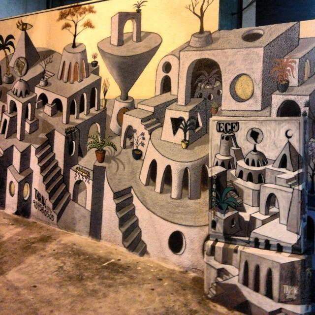 Oniria & Onirinha, a caixa ludica q se extendeu no muro, detalhe noturno. #TARIK #tarikklein #oniria #caixaludica #mural #cidadeludica #tintaacrilica #spray #escher #escadas #stairs #pintura #paint # #artenaparede #artenarua #streetart #grafitti #graffitisp #sampagrafite #artbattlebr #grafite #streetsofsaopaulo #streetartsp