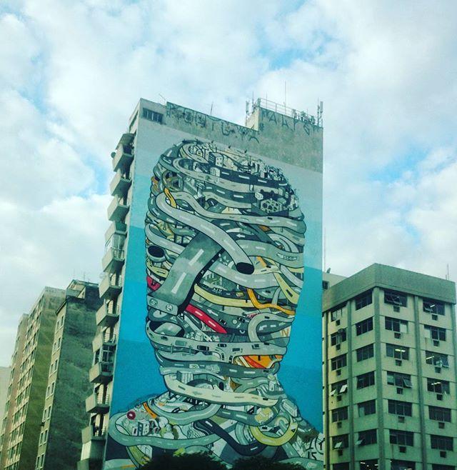 #porondeandei #intervençãourbana #terradagaroa #sky #Sampa #domeucarro #emtodocantovejoumladobom #sampacity #sp #saopaulo #Brasil #santacecília #sampa4you #saopaulocity #splovers #streetartsp #cidadedagaroa #selvadepedra #spdagaroa