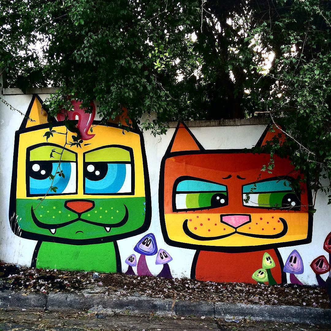 Sobre gatos e cogumelos #streetart #streetartSP #catsandmushrooms