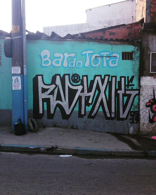 #streetartsp #grapixosp #grapixo #vandalismo #vandalsp. #ruasp #chamanatinta1 #sampacity #ostreze #exigentes1 #2016show .zonanorte/guarulhos/vlgalvao Salve totaaa.salvo nas brejas..kkkk