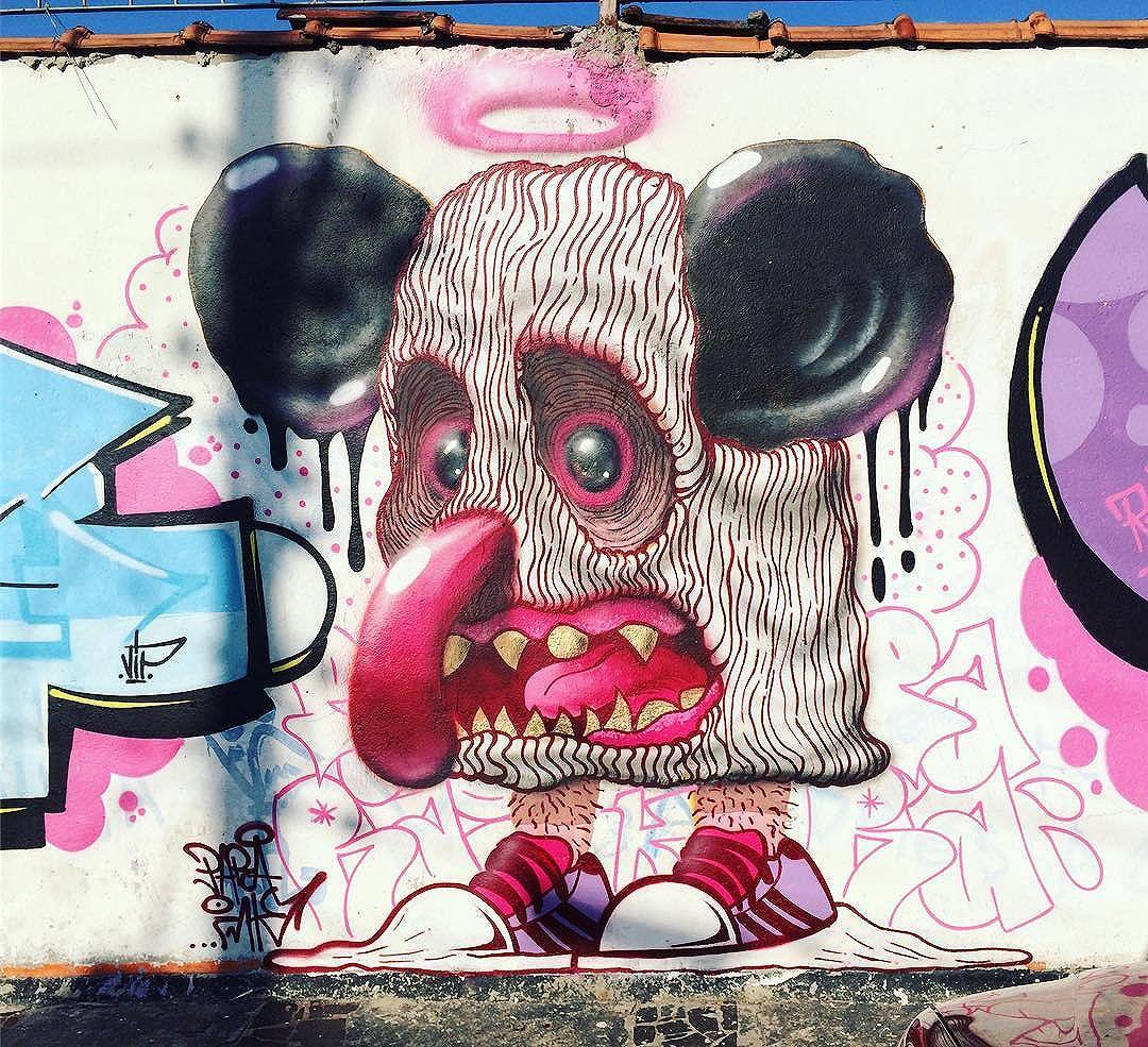 Ali no Pari! c @nemviptk e @sn0ut #graffitisp #streetartsp #paraink #graffiticharacters #saopaulocity #mousecharacters #spraydaily #sampagraffiti #urbanart