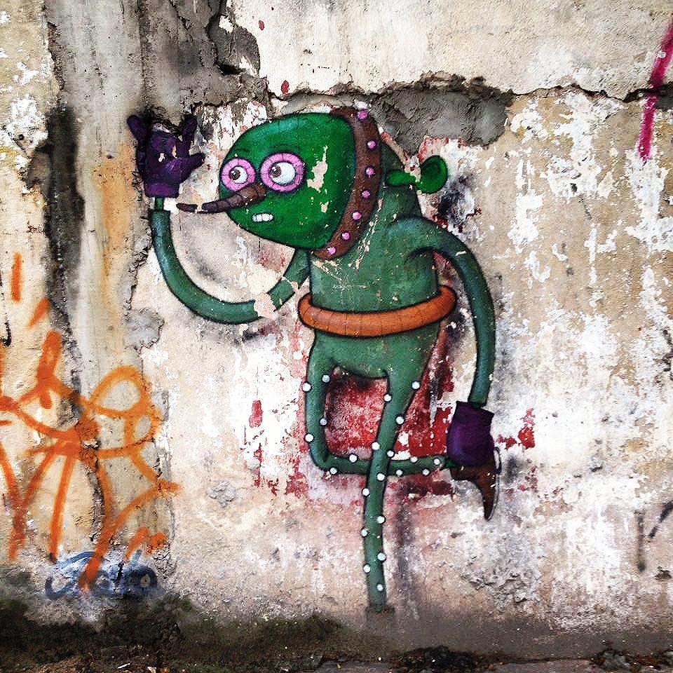 Old wall in the North Side of São Paulo Artist: @presto_sp #presto #sambadograffiti #sampagraffiti #graffiti #graffiti_clicks #grafite #graf #streetart #streetartsp #streetphoto #streetarteverywhere #streetartphotography #spray #bagarre #spraypaint #urbanwall #urbanart #wallart #saopaulo #brasil #rsa_graffiti #braznu #sampa #tv_streetart #saopaulocity #tv_sa_simplicity_graff #streetartofficial #zonanorte