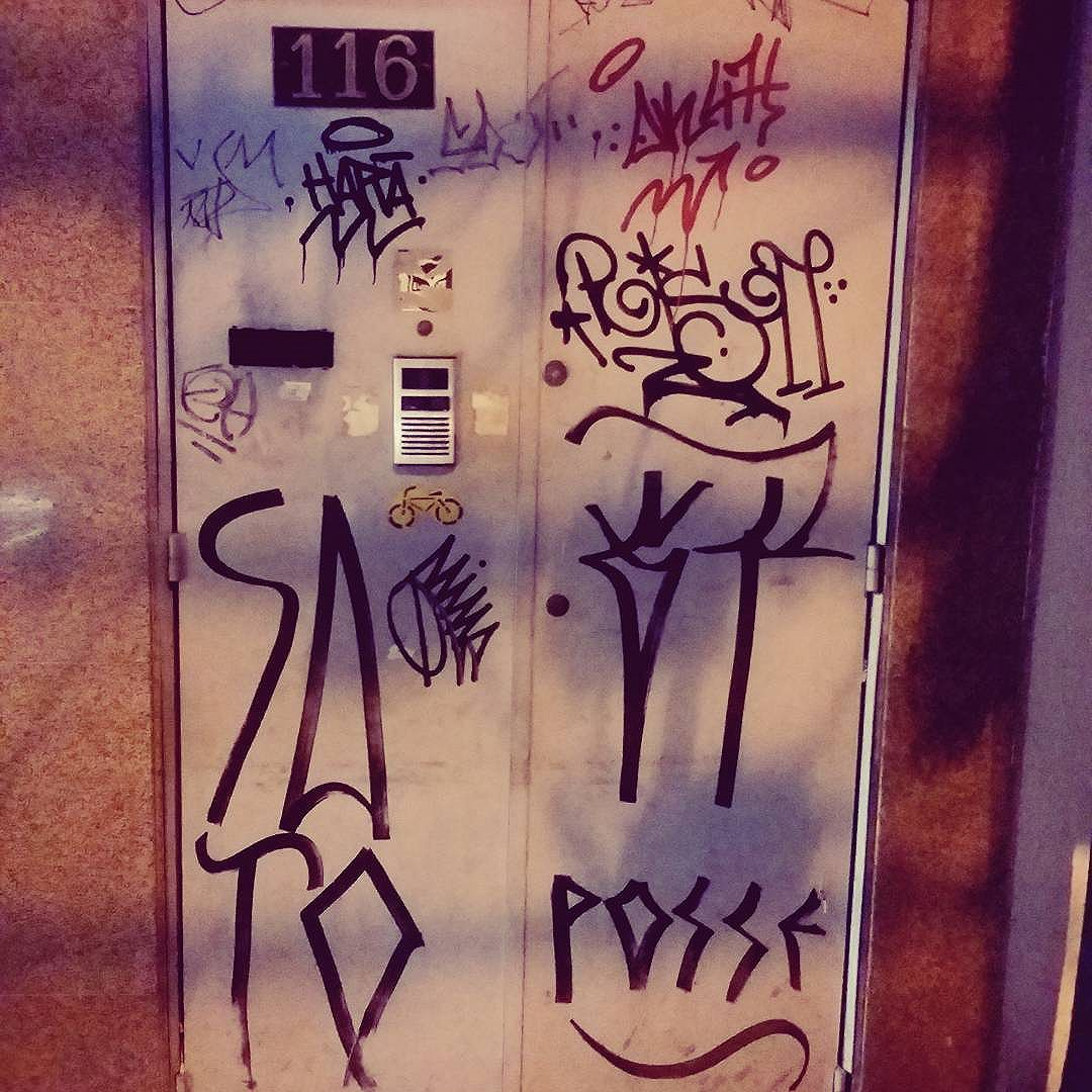 #tag #pixo #pixacao #graffiti #streetart #streetstyle #rua #graffitiart #graffitis #graffitiwall #graffiti #graphicdesign #grafitesp #grafite #graffitiartist #graffitiigers #graffiti_magazine #streetartist #streetart #urbanart #urbanartist #graffitiporn #arteurbana #arterua #streetartsp #sampagraffiti #bomb #throwup