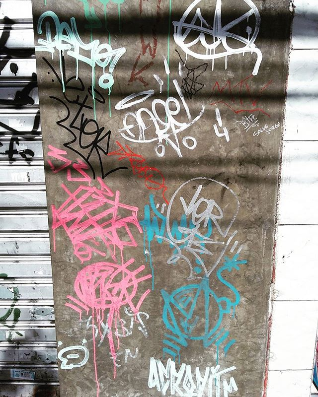#tag #pixo #pixacao #graffiti #streetart #streetstyle #rua #graffitiart  #graffitis  #graffitiwall  #graffiti  #graphicdesign  #grafitesp #grafite  #graffitiartist  #graffitiigers  #graffiti_magazine  #streetartist  #streetart  #urbanart  #urbanartist  #graffitiporn  #arteurbana  #arterua #streetartsp #sampagraffiti #bomb #throwup
