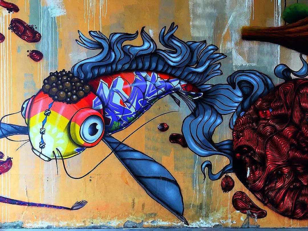 @binho3m #graffiti #streetarteverywhere #streetartistry #streetartandgraffiti #streetphotography #streetphotographer #street #streetphoto #urban #streetartsp #saopaulo #sp #brasil #brazil #house #oldhouse #becodobatman