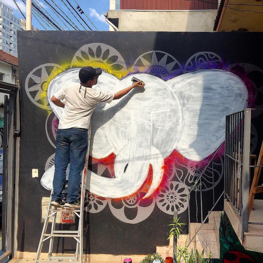 @cadumen em ação aqui na @arteriapontaponta #graffiti #arteriapontaponta #vamoscoloriromundo #streetartsp #vilamariana