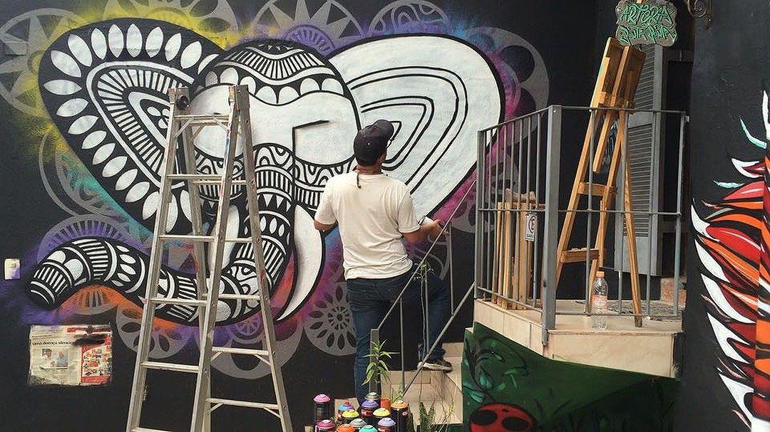 @cadumen em ação! #vamoscoloriromundo #arteriapontaponta #streetartsp #graffiti