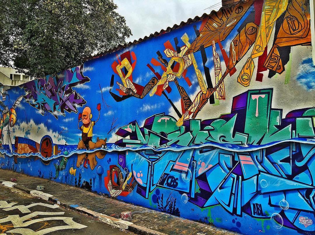 @presto_sp @snek_zn @speto #wall #wallart #graffiti #streetarteverywhere #streetartistry #streetartandgraffiti #streetphotography #streetphotographer #street #streetphoto #urban #streetartsp #saopaulo #sp #brasil #brazil #house #oldhouse #becodobatman