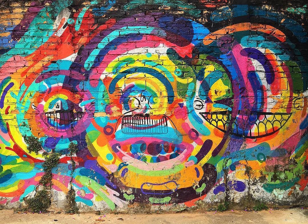 @prozak7 #graffiti #streetarteverywhere #streetartistry #streetartandgraffiti #streetphotography #streetphotographer #street #streetphoto #urban #streetartsp #saopaulo #sp #brasil #brazil #house #oldhouse #becodobatman