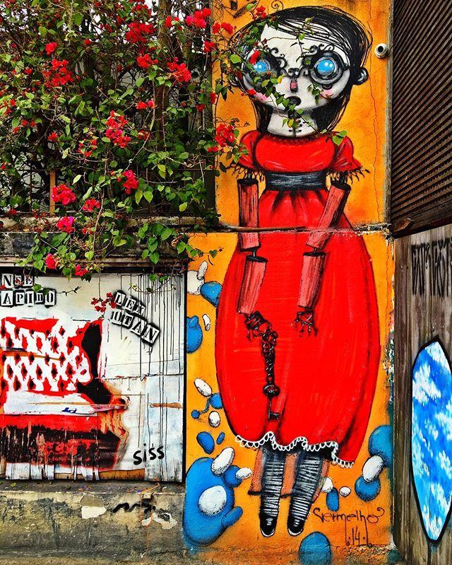 @vermelhosteam #streetarteverywhere #streetartistry #streetartandgraffiti #streetphotography #streetphotographer #street #streetphoto #urban #streetartsp #saopaulo #sp #brasil #brazil #house #oldhouse #becodobatman