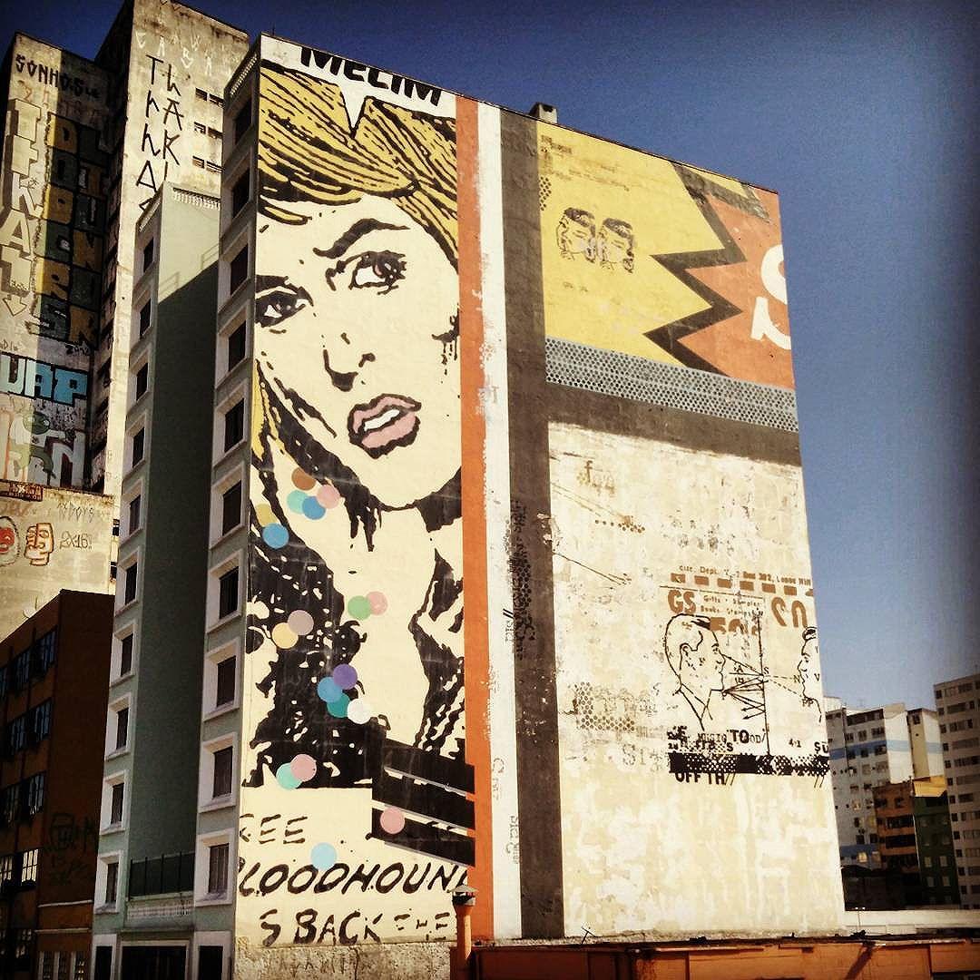 Amo as ruas, os prédios e a sensação que é SP. #amosp #arteemsp #artederua #graffiti #grafite #streetart #popart #streetartsp #cityvibes #megalopolis #downtown #wall #estaçãodaluz
