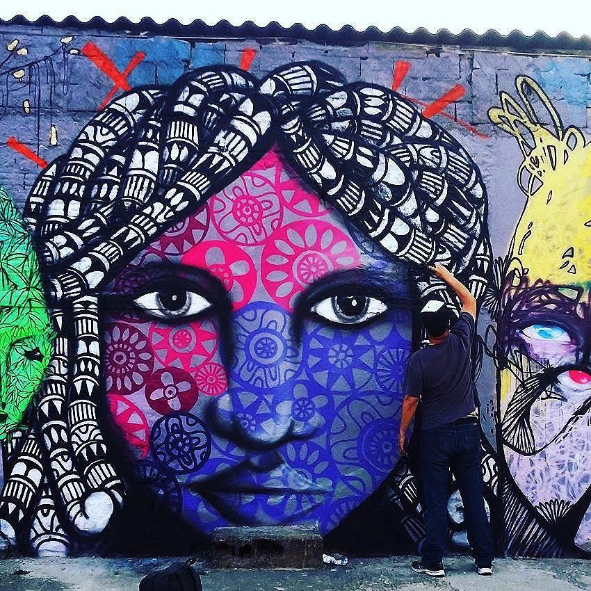 Close no muro #cadumen #vilarica #graffiti #rua #streetart #welovestreetart #zl #zonaleste #streetarteverywhere #streetartsp #mural #muro #spray #spraypaint #sampa #saopaulo #artenarua #artederua #grafite #grafitesp #ruasdesaopaulo #arteurbana #streetart_daily #brstreet #urbannation #wallart #streetartandgraffiti #spdagaroa #fromthestreets #streetartofficial