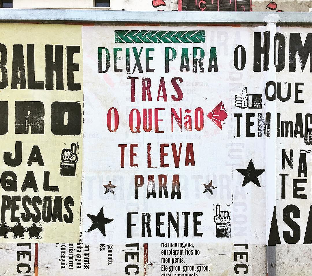 Filosofia pop. #intervençãourbana #sp #011 #sampa #paulista #olheosmuros #osmurosfalam #lambelambe #vinarua #streetartsp