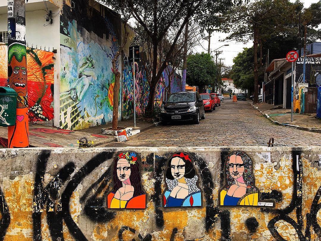#graff #graffiti #streetarteverywhere #streetartistry #streetartandgraffiti #streetphotography #streetphotographer #street #streetphoto #urban #streetartsp #saopaulo #sp #brasil #brazil #house #oldhouse #becodobatman