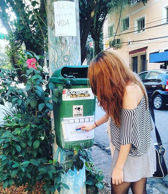 hello stranger. #closer junto com @poesiamovel #cinelambe #lamblamb #lambelambe #movie #cinema #filmes #streetartsp #streetart #intervencaourbana #splovers #serpaulistano #saopaulo #vozesdacidade #taescritoemsampa #pelasruas #pelosmuros #oqueasruasfalam #urbanart #arteurbana #vozesderua #acidadefala #osmurosfalam #vinarua #asruasfalam #vozesdacidade #sp #artederua #txturbano #sp4you #spdagaroa