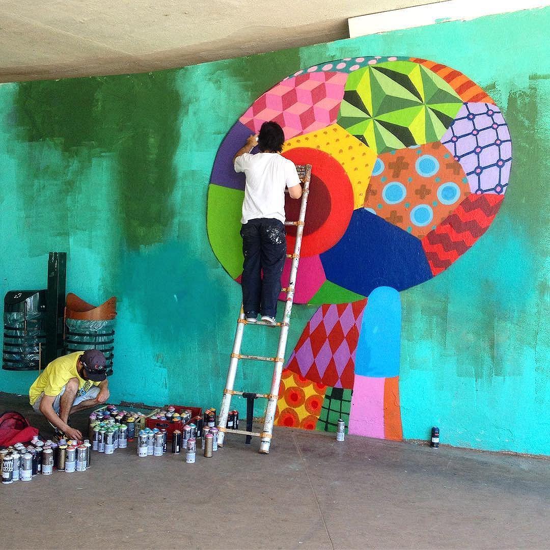 One from the weekend. Tinho at work @tinho23sp #latergram @viradasustentavel #saopaulo #sampagraffiti #streetart #streetartsp #streetarteverywhere #wip #spraypaint #wallart #ruanews #urbanart #painting #cidadecinza #mural #jacktwo #ibirapuera