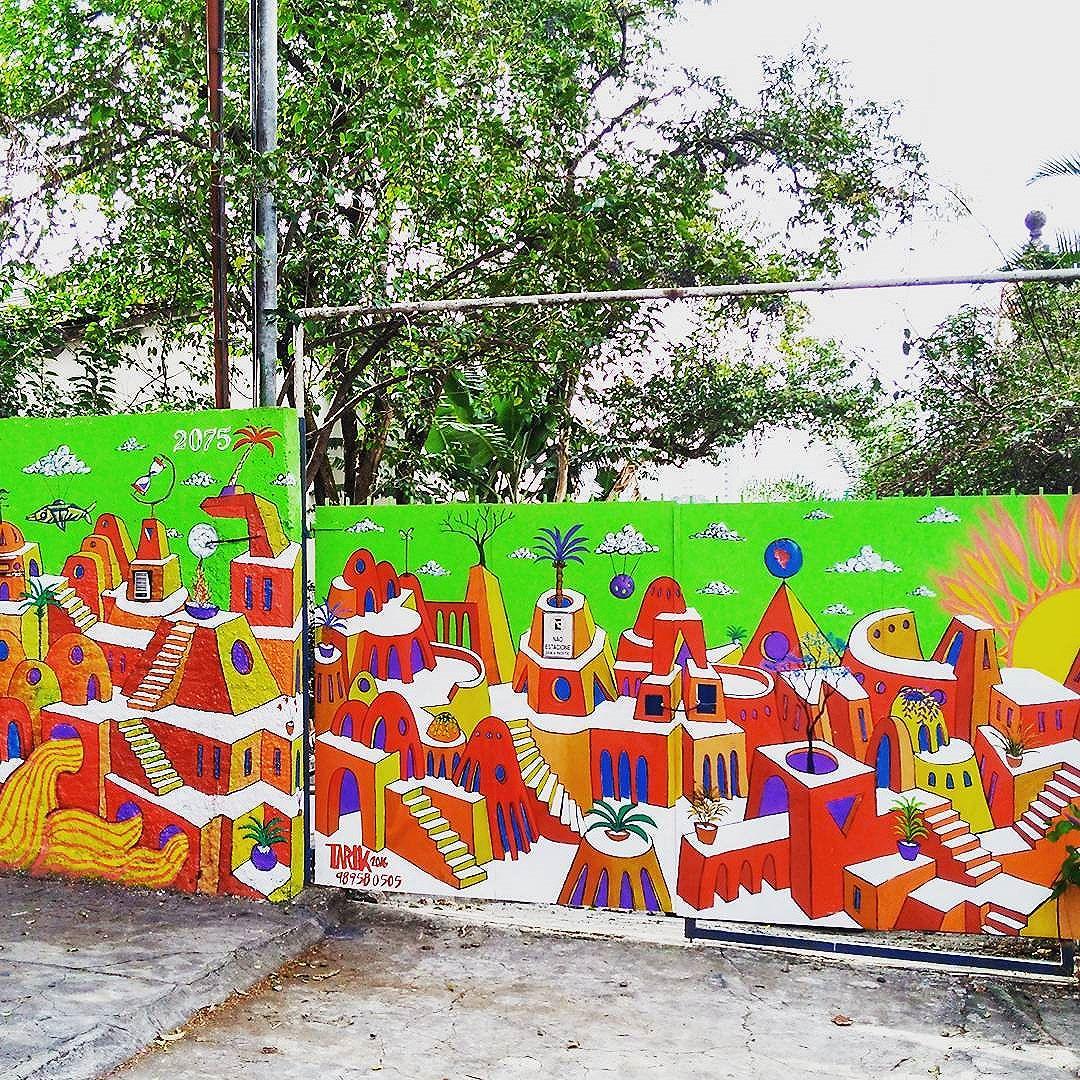 Portão novo na Aimberê, onde em breve será a casa do sol!! #TARIK #tarikklein #casadosol #oniria #cidadeludica #cidadecolorida #construcao #perspectiva #cor #color #arte #art #tintaacrilica #spray #artenomuro #artenarua #streetart #streetartsp #grafite #grafitti #sampagrafite