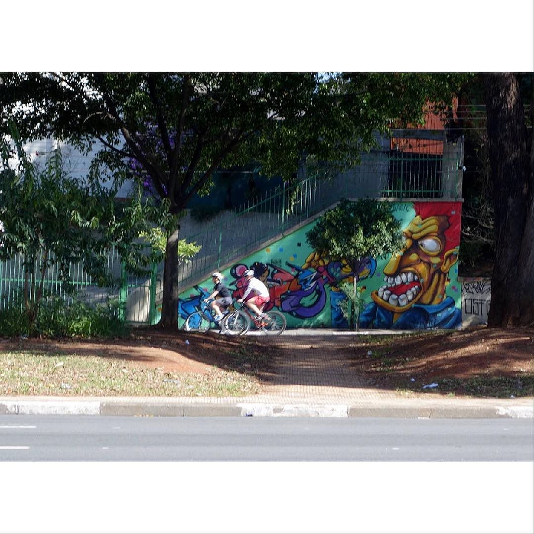 Street Art em Sampa SãoPaulo_SP_Brasil_Data:20150628_Câmera: #SONY_RX100M2 Photo: J Goncalves  #original #splovers #sousampa #sp4you #saopaulonline #saopaulowalk #catracasp #brasilbr55 #saopaulocity #ig_saopaulo #TopSampaPhotos #cidadedagaroa #brazil_repost #vejasp #spinfoco #euamosp  #saopaulocity