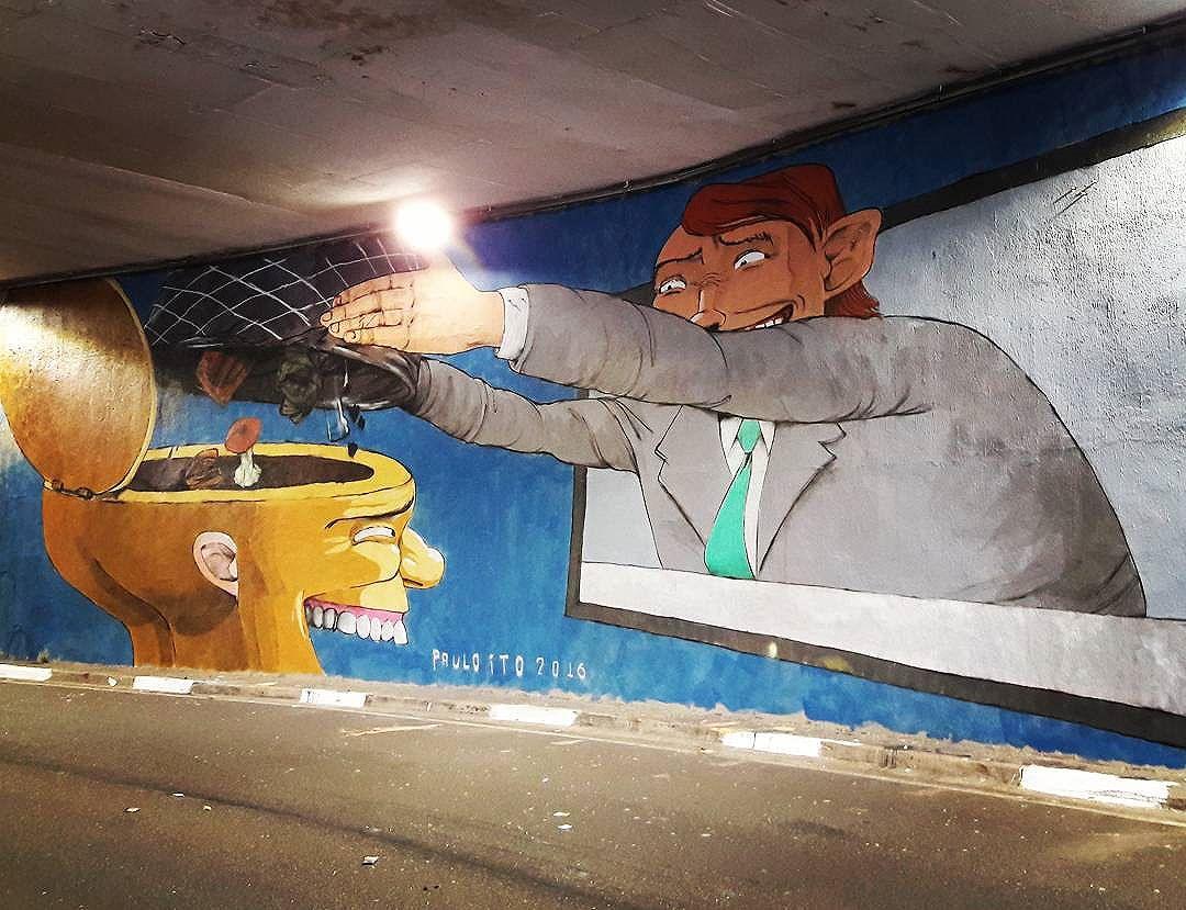 @paulo_ito 's mural highlighting the power & manipulation of media! Part of the project Tunel Noite Ilustrada in São Paulo  #pauloito #tvmakesyoustupid #sambadograffiti #sampagraffiti #graffiti #graffiti_clicks #grafite #graf #streetart #streetartsp #streetphoto #streetarteverywhere #streetartphotography #spraypaint #urbanwall #urbanart #wallart #saopaulo #brasil #rsa_graffiti #braznu #sampa #tv_streetart #saopaulocity #tv_sa_simplicity_graff #streetartofficial #be_one_urbanart #brarts #tunelnoiteilustrada #tvsucks
