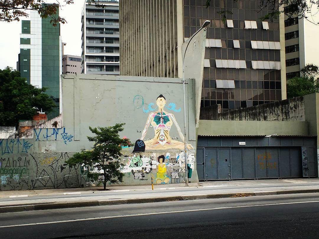 #aloneinthecrowd #sp #streetart #streetartsp #urbanarts #meditation #silenceinthecrowd