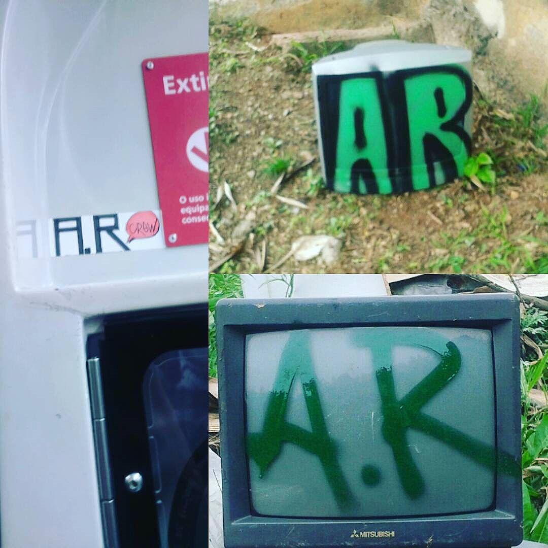 #arearestritacrew #originalfodase #semens #free #pests #codigo #maestro #graffiti #osaskull #SP #011 #zeroonze #silvercity #concretejungle #Brasil #sampagraffiti #StreetArtSP #streetartistry #streetartofficial #taggstreetart #welovestreetart #spraycan #welovebombing #stickers #vandal #vandalism