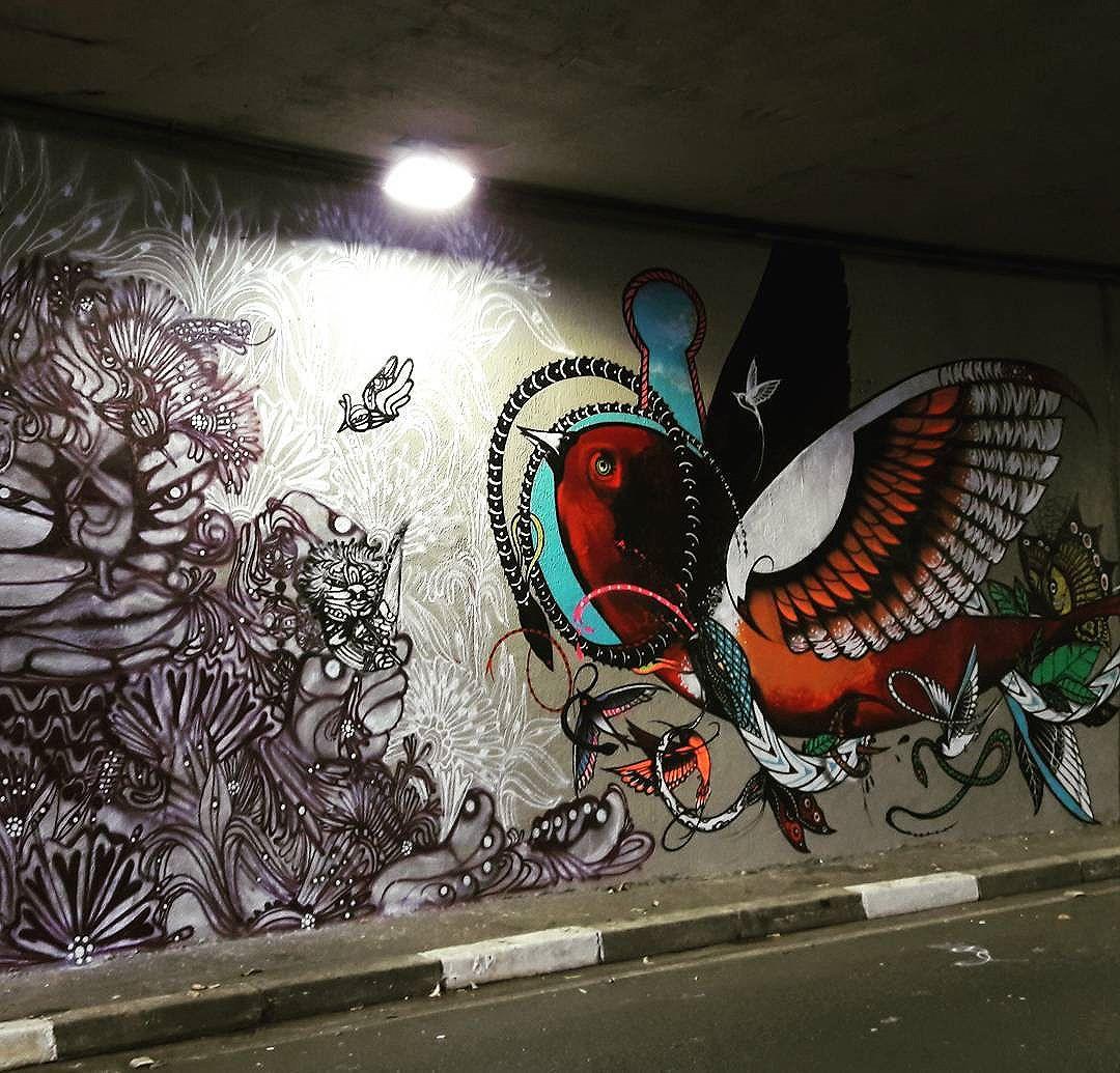 Collective wall art of Ndrua and Boleta (@ndrua / @boletabike) part of the project Tunel Noite Ilustrada in São Paulo  #ndrua #boleta #sambadograffiti #be_one_urbanart #graffiti #graffiti_clicks #grafite #graf #streetart #streetartsp #streetphoto #streetarteverywhere #streetartphotography #spraypaint #urbanwall #urbanart #wallart #saopaulo #brasil #rsa_graffiti #braznu #sampa #tv_streetart #saopaulocity #tv_sa_simplicity_graff #streetartofficial #be_one_urbanart #brarts #tunelnoiteilustrada