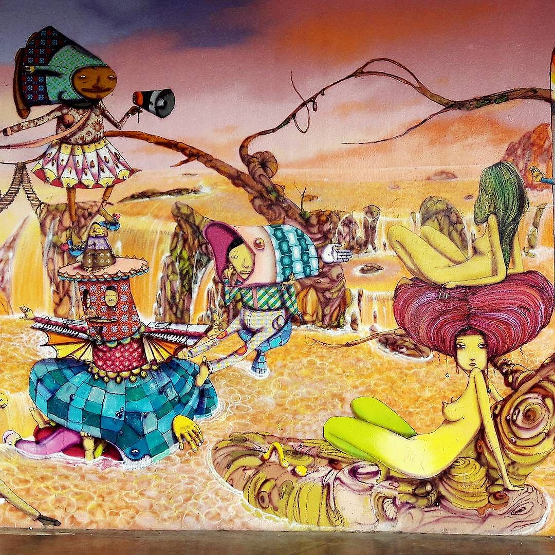 Detalhes de uma incrível arte dos @osgemeos no Parque Ibirapuera #osgemeos #osgemeosart  #ibirapuera #sambadograffiti #sampagraffiti #graffiti #graffiti_clicks #grafite #graf #streetart #streetartsp #streetphoto #streetarteverywhere #streetartphotography #spraypaint #urbanwall #urbanart #wallart #saopaulo #brasil #rsa_graffiti #braznu #sampa #tv_streetart #saopaulocity #tv_sa_simplicity_graff #streetartofficial #be_one_urbanart #brarts