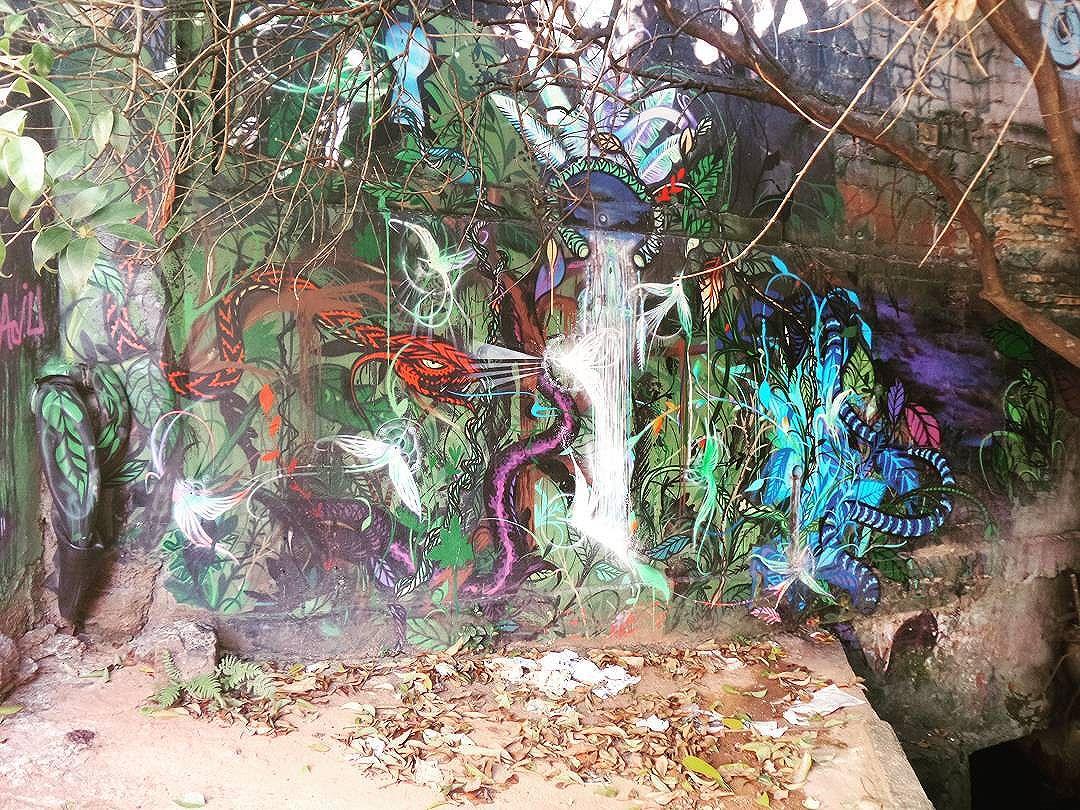 #graffiti #graffitiart #graffitisp #streetartsp #sampagraffiti #becodoaprendiz #streetart #streetphotography #streetphotographers #ofantasticomundodografite #wallporn #sprayart #aerosolart #be_one_urbanart #graffiti_of_our_world #streetartglobal #vilamadalena #saopaulo #arteurbana