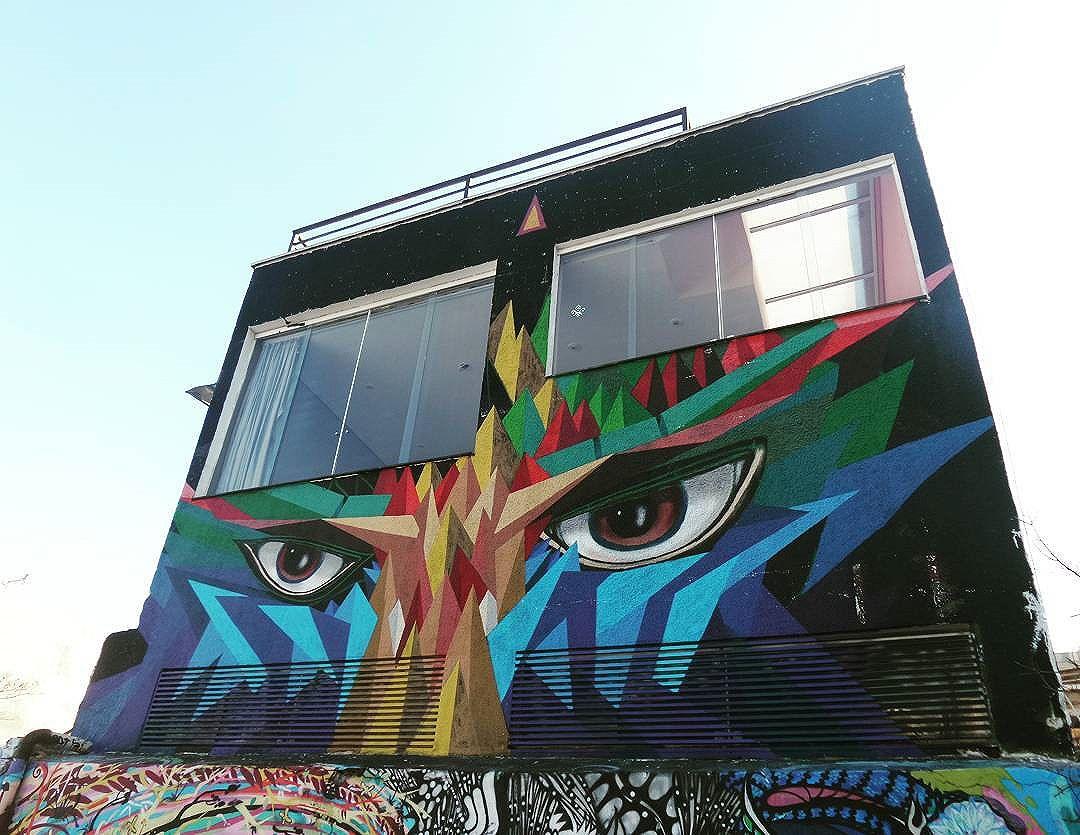 #graffiti #graffitiart #graffitisp #streetartsp #sampagraffiti #becodobatman #vilamadalena #spraywall #batmansalley #aerosolart #be_one_urbanart #graffiti_of_our_world #streetartglobal #streetphotography #streetphotographers #ofantasticomundodografite #urbanwalls #rooftop #roofart #saopaulo