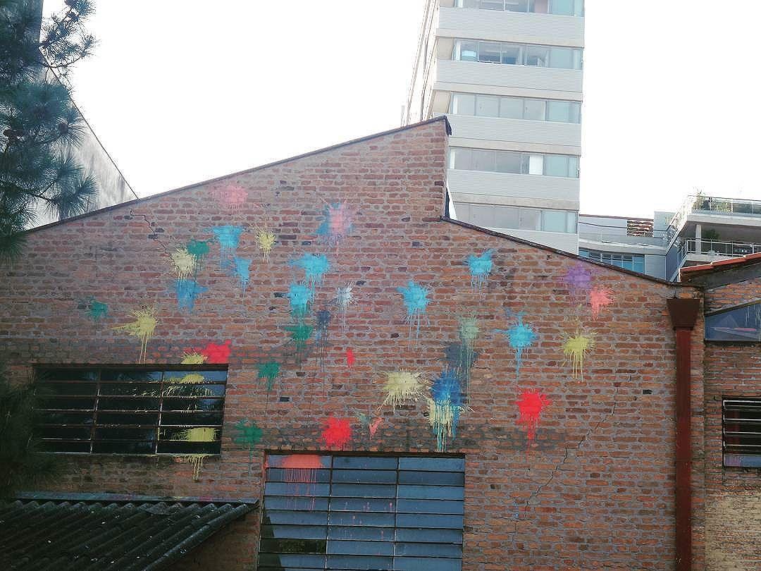 #graffiti #graffitiart #graffitisp #streetartsp #sampagraffiti #becodobatman #vilamadalena #streetart #streetphotography #streetphotographers #ofantasticomundodografite #urbanwalls #sprayart #spraywall #aerosolart #graffiti_of_our_world #streetartglobal #street_art_community #arteurbana #artrua #batmansalley #poraisp #vejasp