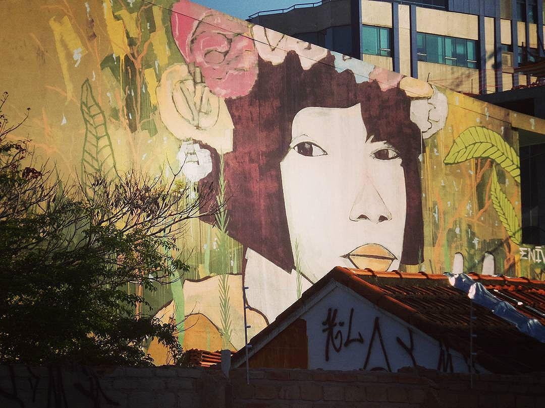#graffiti #graffitiart #graffitisp #streetartsp #sampagraffiti #rooftop #streetarteverywhere #streetstyle #streetphotography #streetphotographers #ofantasticomundodografite #sprayart #spraywall #arteurbanasp #becodobatman #vilamadalena #enivo